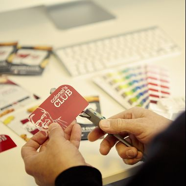 Oomph plastic cards production